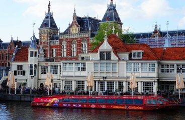 Amsterdam and its cuisine: what is worth eating?